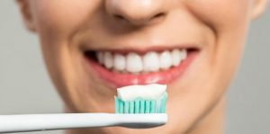 rajin menyikat gigi