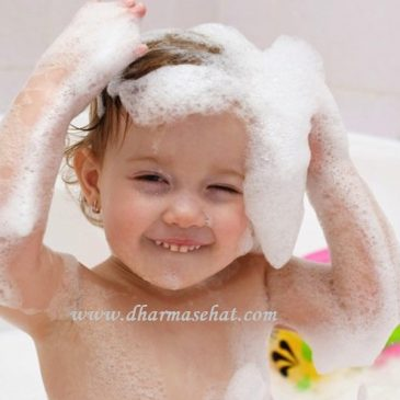 Tips Merawat Rambut Si Kecil Agar Tetap Sehat