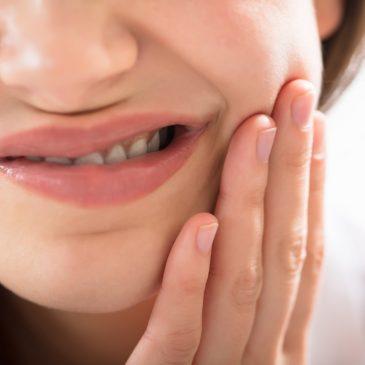 Iniloh Cara Mengatasi Gigi Goyang Dengan Bahan Alami